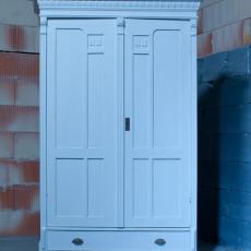 Antiker Kleiderschrank, Dielenschrank, Spätbarock, shabby look, weiß, restauriert
